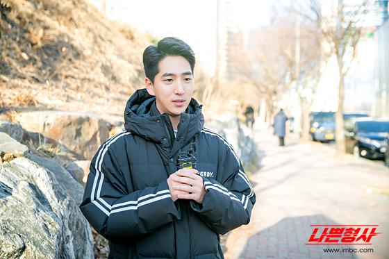 [비하인드]영원한(?) 뽀시래기 형사 동윤!