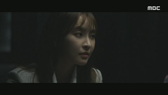 """""""질문은 제가 합니다.""""…여대생 약물 강간 사건 심문하는 은솔(정유미) [26회]"""