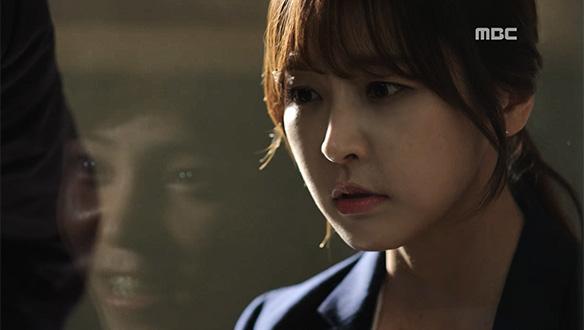 """""""더 큰 여자도 충분히 죽였을 텐데""""…은솔(정유미)에게 우성 살인범에 대한 힌트를 주는 김준태 [29회]"""
