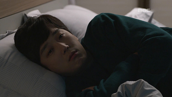 """""""기분 진짜 이상하네""""…완승(윤종훈), 멀게만 느껴지는 아내 [51회]"""
